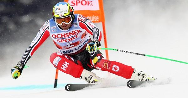 Manuel Osborne-Paradis se retira después de dos temporadas en blanco a causa de una grave caída en la que se rompió tibia y peroné.
