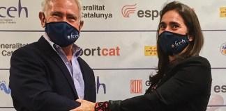 Mònica Bosch y Óscar Cruz, en el traspaso de poderes. FOTO: FCEH