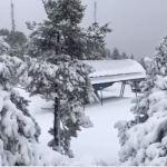 La nieve tiñe de blanco la estación de Masella