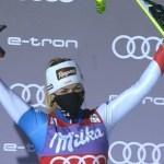 Lara Gut se ha exhibido en St. Anton para ganar el super G.