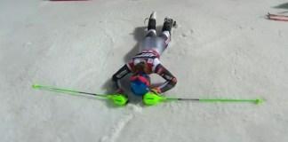 Petra Vlhova, exhausta tras la segunda manga del slalom de Zagreb, donde ha logrado su 18ª victoria en la Copa del Mundo.
