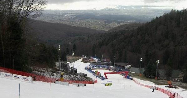 Nieve en malas condiciones en la Crveni Spust, el slalom más largo del circuito.