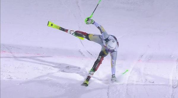 Foss-Solevaag entrando en meta en la primera manga con el segundo mejor tiempo.