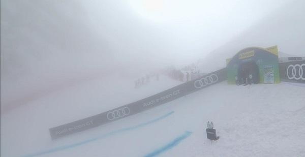 La niebla ha impedido la disputa del super G femenino del Mundial de Cortina d'Ampezzo, que todavía no se ha estrenado.