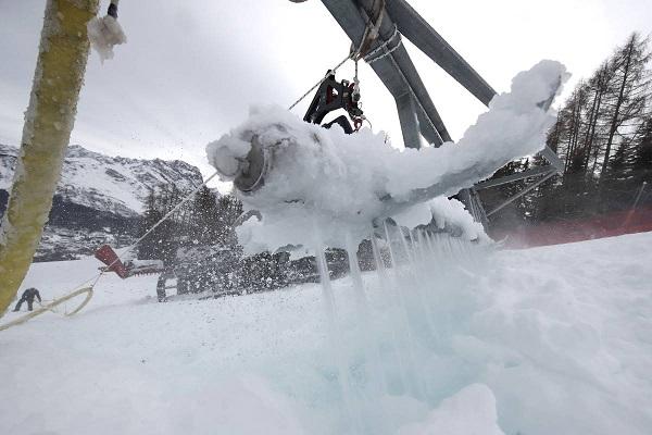 El exceso de nieve a obligado a cancelar la combinada femenina que debía inaugurar el Mundial de Cortina d'Ampezzo. FOTO: cortina2021.com