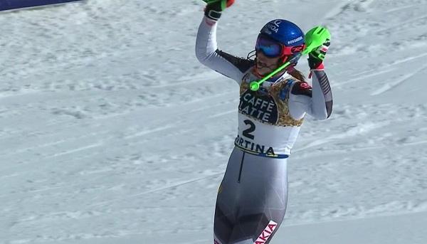 La alegría por el posible oro le ha durado a Vlhova lo que ha tardado Liensberger en esquiar la segunda manga.