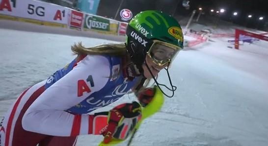 Katharina Liensberger, campñeona del Mundo y con el palmarés recién estrenado en el circuito, quiere más.