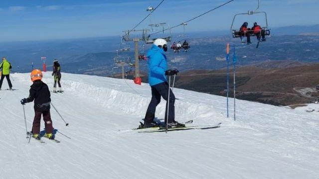 Los esquiadores locales han podido disfrutar de la nieve
