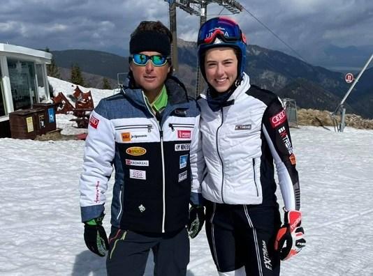 Petra Vlhova junto a Mauro Pini, que la dirigirá la próxima temporada. Facebook PV