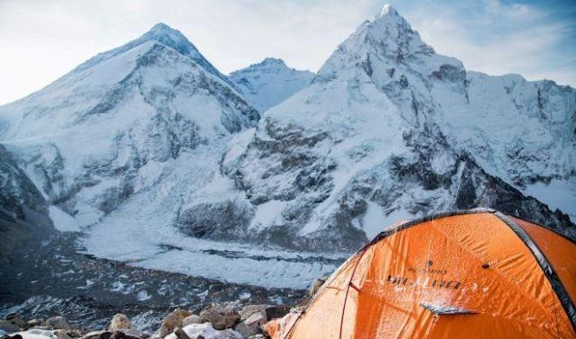 Campamento de Alex Txikon