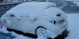 Nevada hasta primera hora de este lunes, y sigue nevando