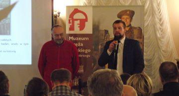 Jak w Kołobrzegu rzeźbi się historię, czyli niecodzienna debata w Muzeum