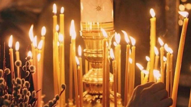 Βραδινή Θεία Λειτουργία στον Ι.Ν. Κοιμήσεως Θεοτόκου Πρασίνου Λόφου Ν. Ηρακλείου