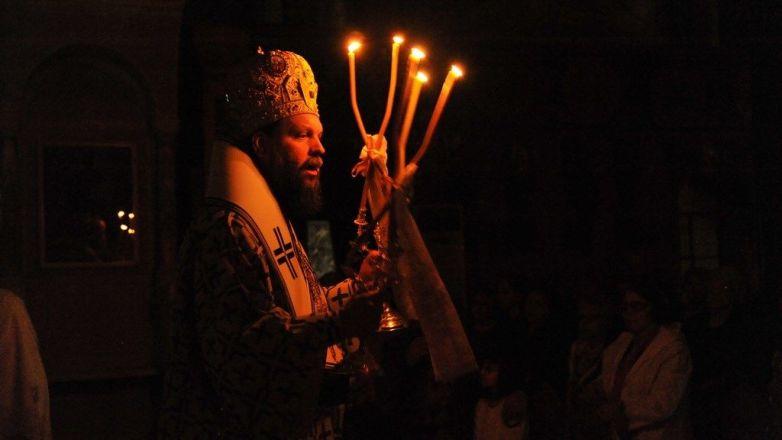 Ιερά Αγρυπνία από τον Μητροπολίτη κ. Γαβριήλ στον Ι.Ν. Αγ. Τριάδος Ν. Ηρακλείου