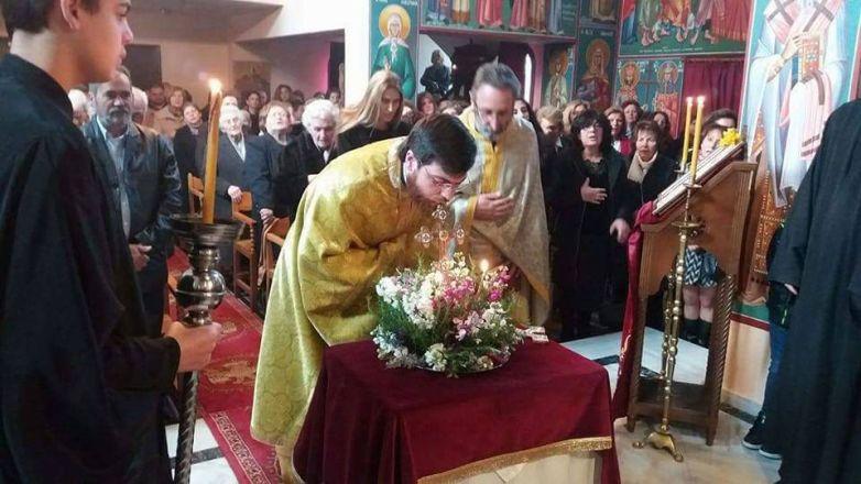 H Κυριακή της Σταυροπροσκυνήσεως στον Ι.Ν. Ευαγγελισμού της Θεοτόκου N. Χαλκηδόνος