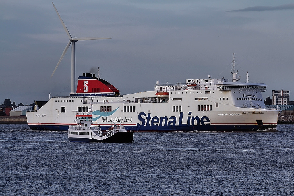 Strangford II is dwarfed by the Belfast - Birkenhead ferry Stena Mersey, whilst on sea trials in the River Mersey. Copyright © Das Boot 160. Flickr.
