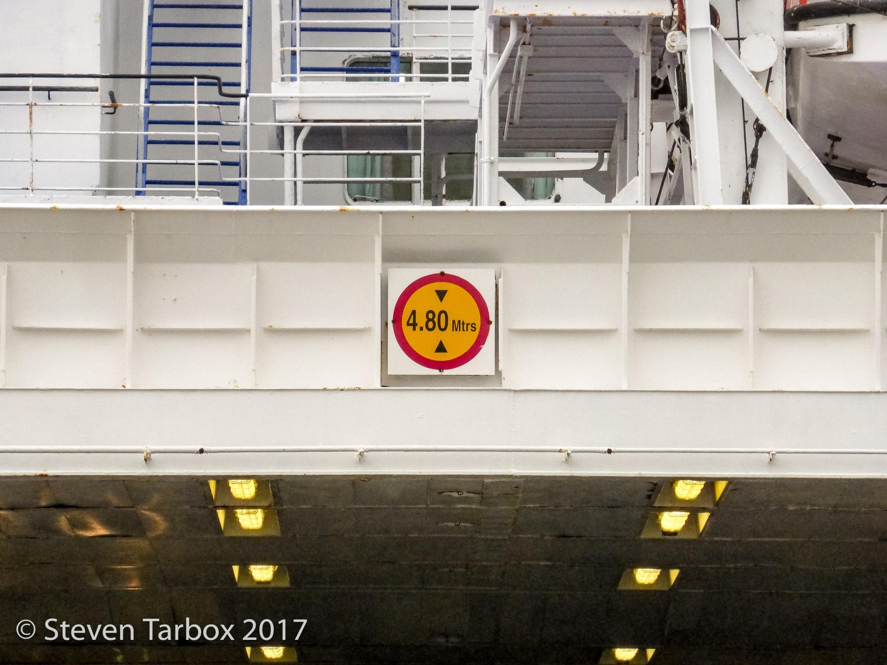 Max height sign, EUROPEAN SEAWAY. © Steven Tarbox