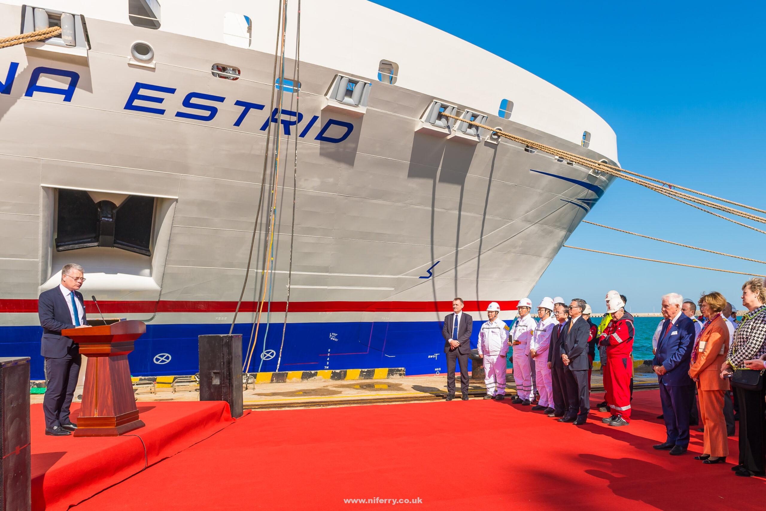 Niclas Mårtensson, CEO Stena Line in front of Stena Estrid