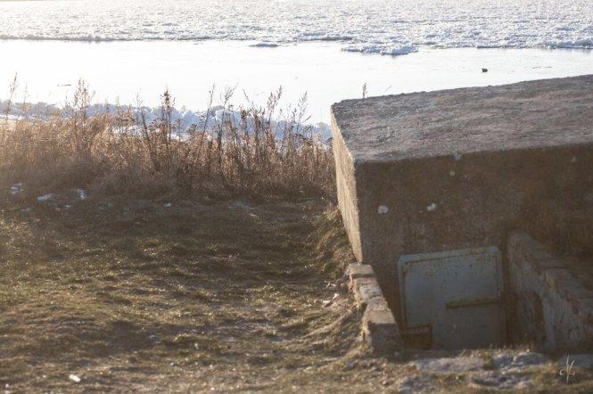Mikoszewo, pozostałości posterunku przy przeprawie promowej