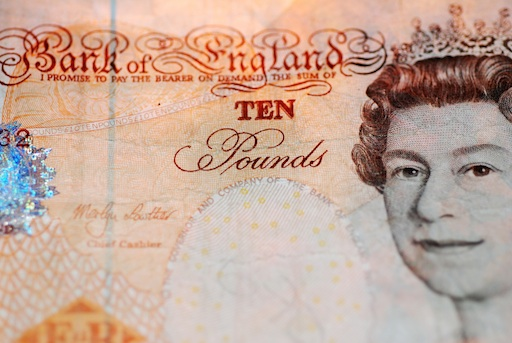 Ten Pound Note - I promise to pay the bearer on demand