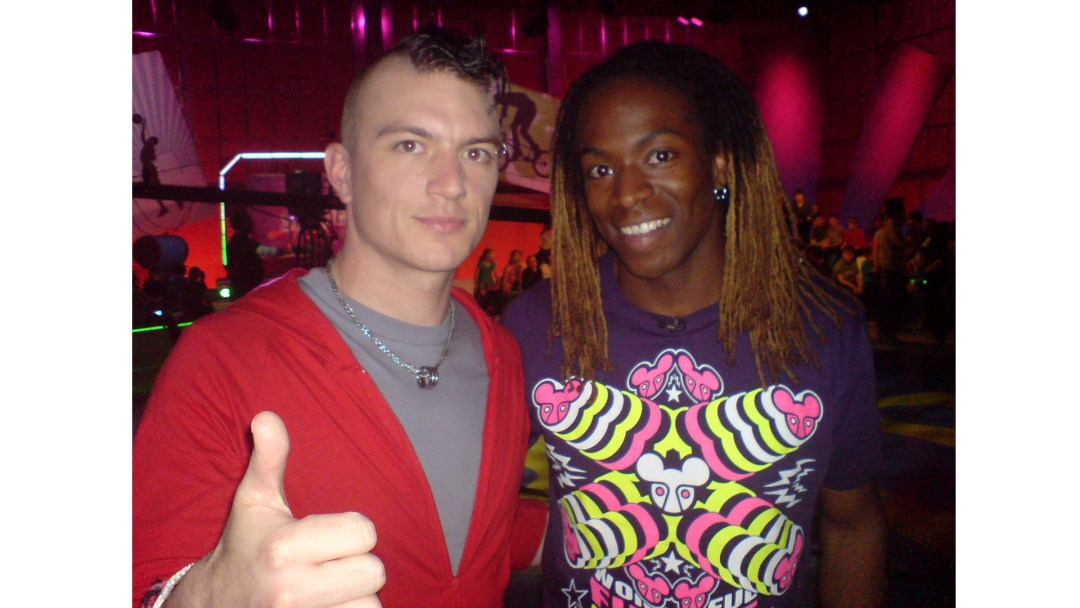 THePetebox and TV Presenter Nigel Clarke on the set of Citv's Skillicious
