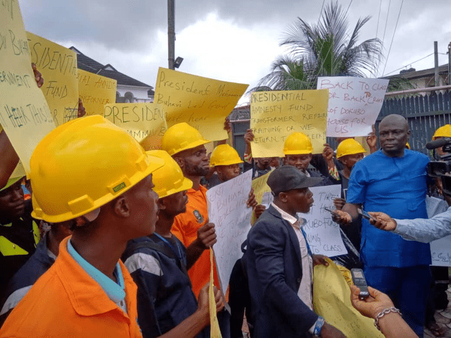 Protesting former Niger Delta militants at the Zonal Office of the Presidential Amnesty Programme (PAP) in Port Harcourt, Rivers State, on Monday