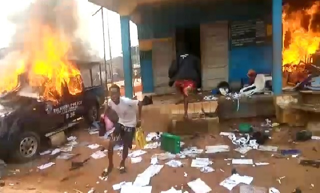 The police station burnt down by hoodlums