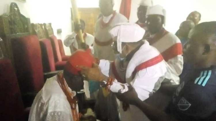 His Royal Majesty, Okumagb ll, being crowned by the kingdom's oldest kingmaker, High Chief George Amurun, JP, as the new Orosuen (King) of Okere-Urhobo Kingdom Warri, Delta State.