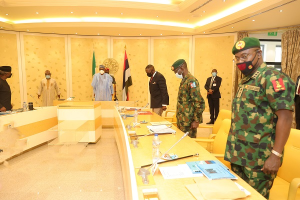 PRESIDENT BUHARI RECEIVES  SECURITY 2A. President Muhammadu Buhari, Vice President Yemi Osinbajo SAN, NSA Maj Gen Babagana Mongonu, Chief of Defence Staff General LEO Irabor and Chief of Army Staff Lt Gen TYFaruk Yahayah during the Security briefing at the State House Abuja. PHOTO; SUNDAY AGHAEZE. AUGUST 19 2021