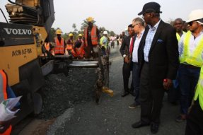 Image result for Fashola advises govs to seek approval before rehabilitating federal roads