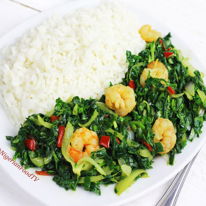 Spinach and shrimps stir-fry