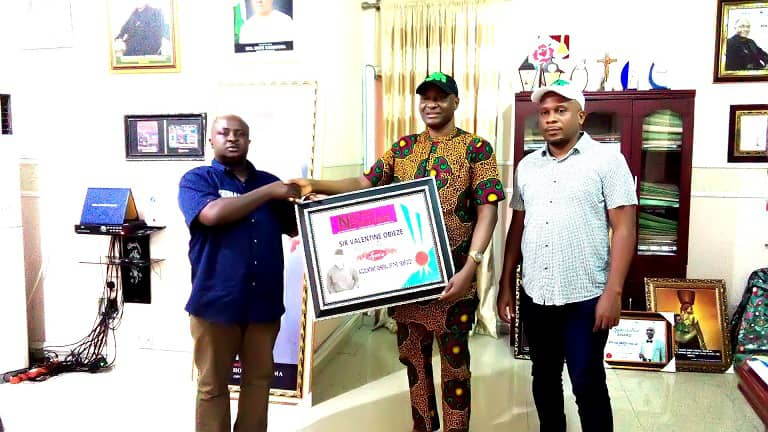 """Imo AG, Obieze receives Nigerian Newsguide """"Accountant General of the Year 2021″ award"""