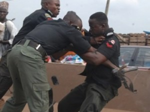 police-fight-401x300