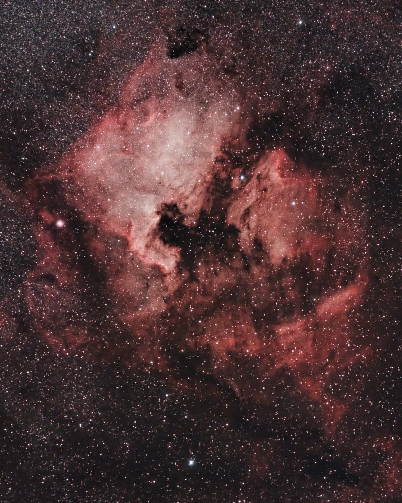 Widefield of North America Nebula and Pelican Nebula