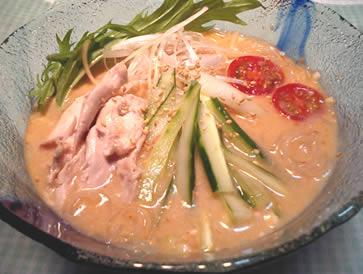サツマイモ冷麺アレンジレピシピリ辛棒々鶏風
