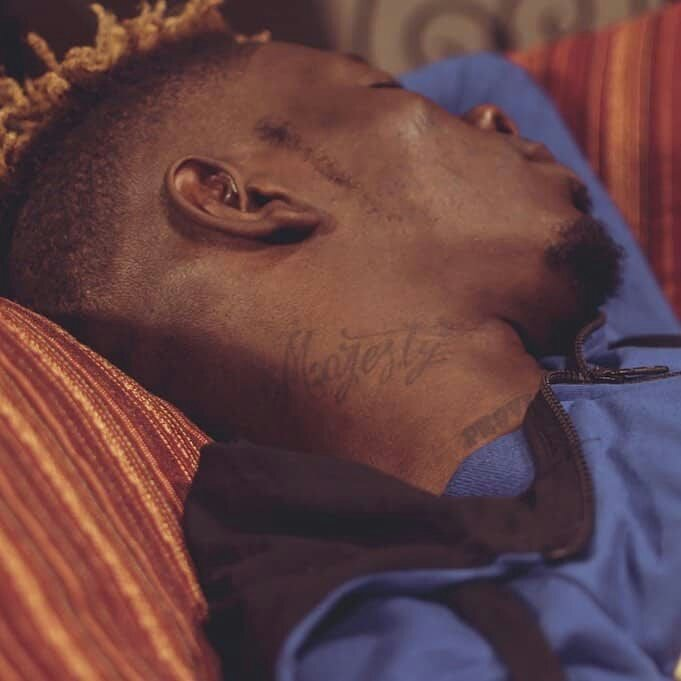 Shatta Wale tattoos the name of 'Majesty' on his neck