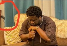 Photo of Prophet Ajagurajah spotted with gun in his room and people are wondering why a man of God who tells members to call on God for protections owns gun