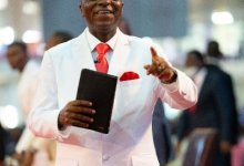 Photo of Bishop Oyedepo sacks 40 pastors for not making enough money for his church