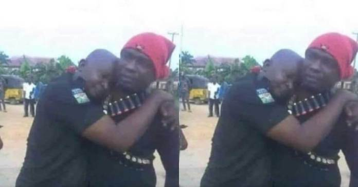 Photo of a vigilante group reportedly rescuing a Police officer from kidnappers surfaces