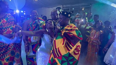 Photo of Kaakyire Kwame Appiah sings for his daughter on her wedding day | Video