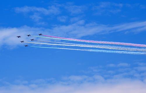 ブルーインパルス飛行終了 国立競技場上空でカラースモークの「五輪」描く - 五輪一般 - 東京オリンピック2020写真ニュース : 日刊スポーツ