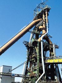休止を発表した新日鉄住金の八幡製鉄所・小倉地区の高炉設備