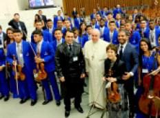 ローマ法王を囲むOCCメンバー