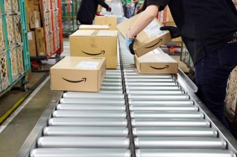 アマゾンが物流コスト上昇を消費者に転嫁することで、他社にも値上げの動きが波及する可能性がある