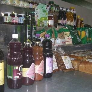 パンやジャムなど有機加工食品も色々
