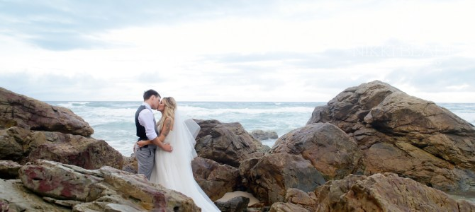 GOLD COAST WEDDING PHOTOGRAPHER – NORTH BURLEIGH – SARI + ASH – SNEAK PEEKS – NIKKI BLADES PHOTOGRAPHY