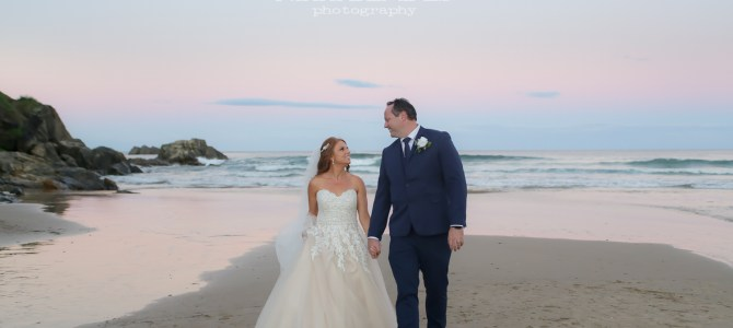 COFFS HARBOUR WEDDING PHOTOGRAPHER – AANUKA BEACH RESORT – LISA + CHRIS – SNEAK PEEKS – NIKKI BLADES PHOTOGRAPHY
