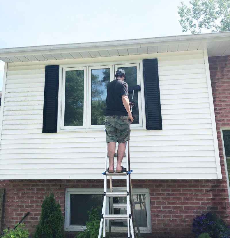 How To Clean Vinyl Siding {Home Exterior Cleaning} - Nikki\'s Plate