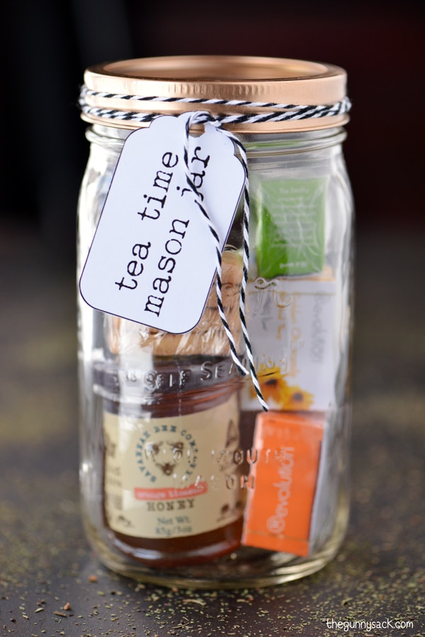 This mason jar gift has everything you need for a relaxing tea time