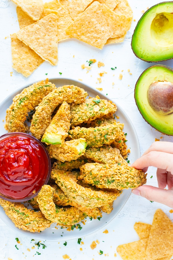 Healthy Super Bowl Appetizers (Vegan, Gluten Free, Sugar Free) || baked avocado fries #superbowl #appetizers #healthy #vegan || Nikki's Plate